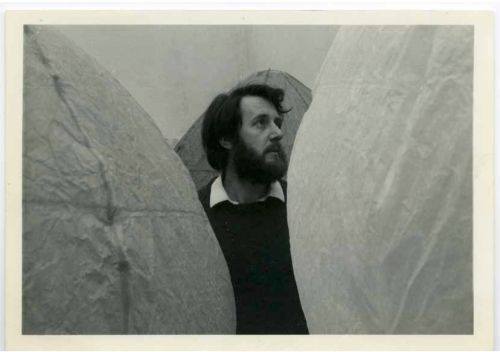 Photograph of Ken with balloons © Ken Cox, Courtesy Lisson Gallery